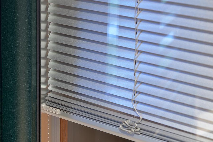 Veneziana interna vetro - Veneziana finestra ...